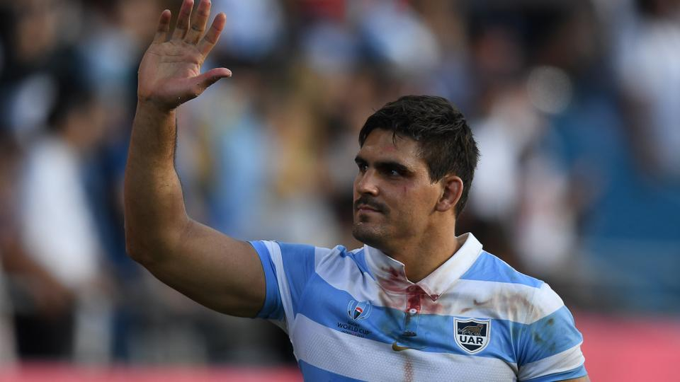 Argentina's flanker Pablo Matera waves after winning the Japan 2019 Rugby World Cup Pool C match between Argentina and the United States at the Kumagaya Rugby Stadium in Kumagaya on October 09, 2019. (CHARLY TRIBALLEAU / AFP / AFP)
